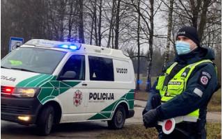Policija sulaikė 5 vagystėmis iš automobilių, taip pat ir Palangoje, įtariamus asmenys
