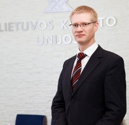 Palangos Kredito Unijos (PKU) valdybos pirmininkas Vytenis  Tomkus į Naujuosius metus linkęs žiūrėti optimistiškai.