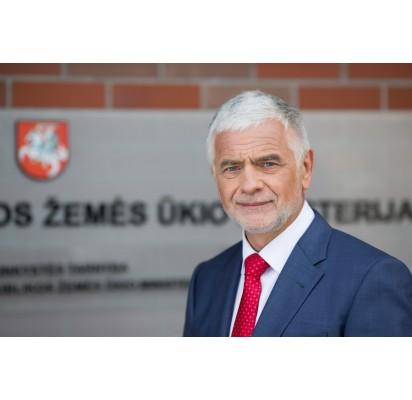 LR žemės ūkio ministras B. Markauskas akcentuoja smulkaus ir vidutinio ūkio konkurencingumą.