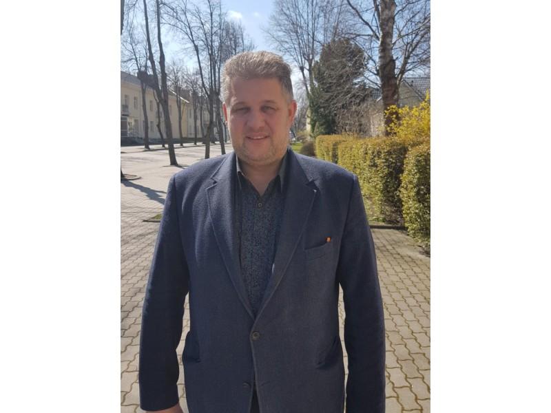 """Miesto savivaldybės Tarybos narys Vaidas Šimaitis – kitoks: jis nevynioja žodžių į """"vatą"""", skelia iš peties: """"Esu toks, koks esu""""."""