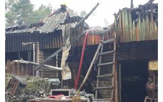 Prie HBH pramogų komplekso kilo gaisras, buvo sužeistų
