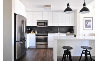 Virtuvės interjero patarimai: kaip išsirinkti stilingą ir funkcionalų kavos aparatą?